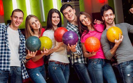 60 min. bowlingu až pro 6 hráčů v centru Třeboně