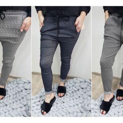 Dámské ležérní kalhoty se vzory Chicky