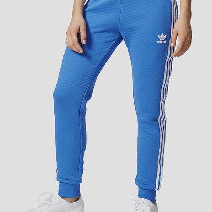 Tepláky adidas Originals REGULAR TP CUF Modrá