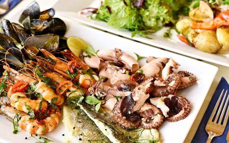 Plato mořských plodů a ryb s přílohami pro 2