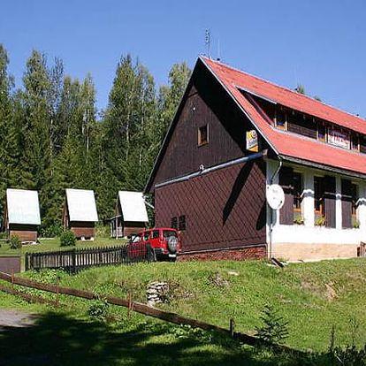 Relaxační pobyt pro dva na 3 nebo 6 dní v horské Chatě na Papírně, polopenze, dezert s kávou.