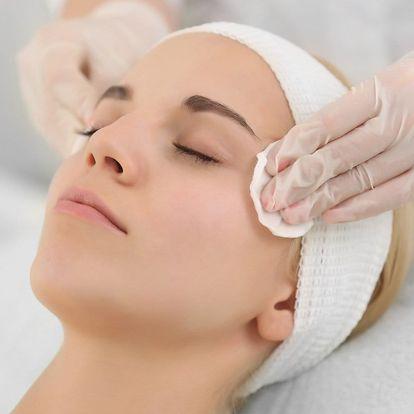 Kosmetická péče s masáží obličeje a dekoltu