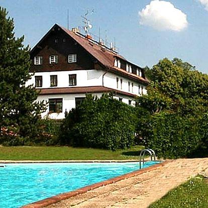 Relax ve Wellness&Relax hotelu Hrazany s polopenzí, sauna, whirlpool, procedury, venkovní bazén aj.