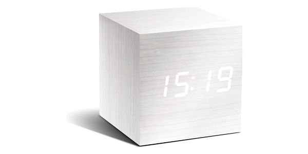 Bílý budík s bílým LED displejem Gingko Cube Click Clock