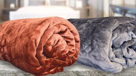 Barevné deky z mikroflanelu v 15 barvách