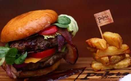 Double burger s ručně mletým masem a hranolky