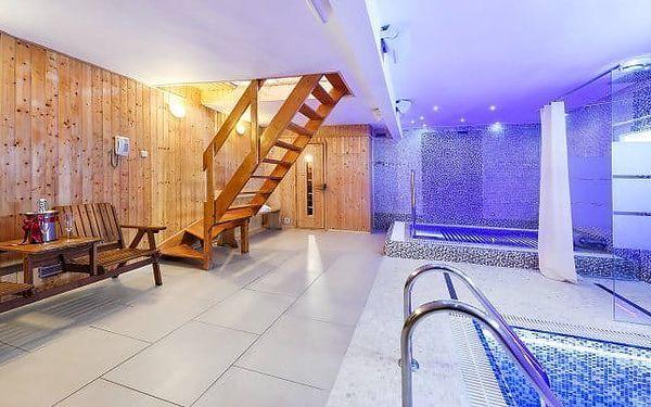 Romantika v Praze v hotelu s bazénem