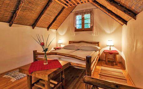 Za jedinečností: Győr ve stylovém dřevěném bungalovu + celodenní vstupenka do termálů či na pláž, půjčení kol a další aktivity