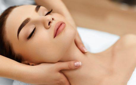 Aromatická masáž svíčkou - Candle massage