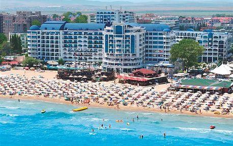 Chaika Beach Resort - oblíbený resort u pláže v pěší dostupnosti centra