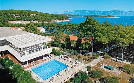 Hvar - oblíbený all inclusive hotel uprostřed zeleně na levandulovém ostrově
