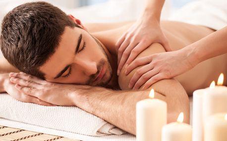 Dokonalé uvolnění: Sportovní masáž + masáž plosek nohou