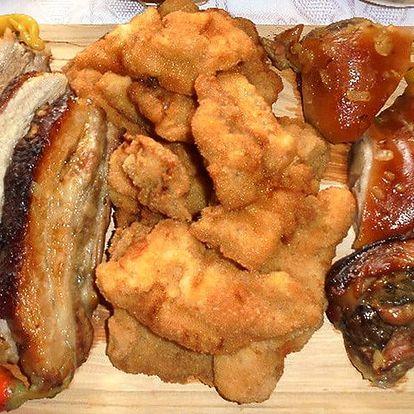 Prkno s 1300 g masa a přílohou pro 2-3 osoby