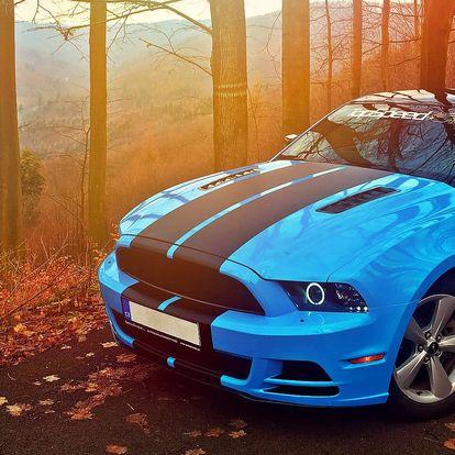 25min. jízda po automotodromu v Mustangu GT
