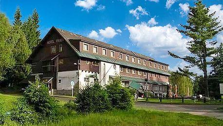 2–6denní pobyt s polopenzí a saunou v hotelu Maxov v Jizerkách
