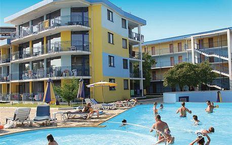 Azurro - příjemný hotel v širším centru letoviska. Oblíbený mezi rodinami