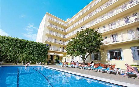 Checkin Pineda - malebný hotel ve středisku Pineda de Mar vhodný pro rodiny