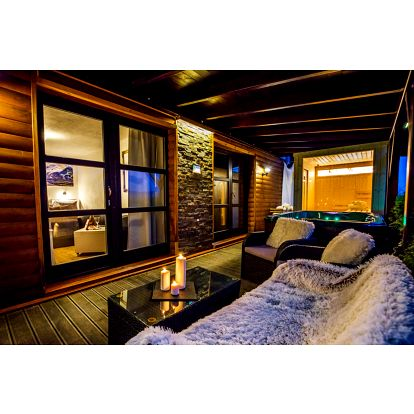Zahradní wellness apartmá s Wellness přímo na pokoji a polopenzí