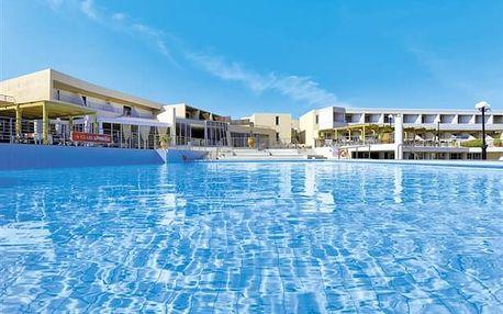 Santa Marina - Vyhledávaný hotelový resort s vyhlášenou stravou u písečné pláže