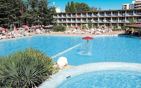 Park Hotel Continental - prostorný areál uprostřed piniového parku