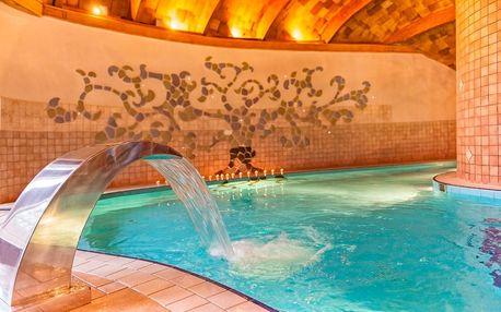 Bük ve hotelu Piroska**** s wellness, polopenzí i vstupenkou do lázní po celý rok