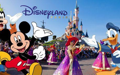 Disneyland v Paříži na otočku s foto pauzou u Eiffelovky