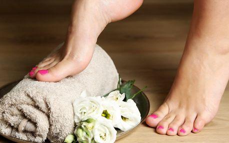 Spa třešňová pedikúra pro dokonalé nohy