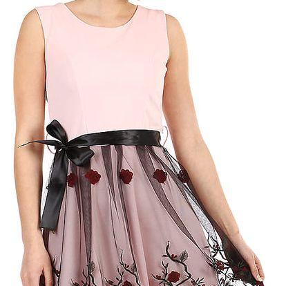 Áčkové večerní šaty s vyšívanou sukní z tylu světle růžová