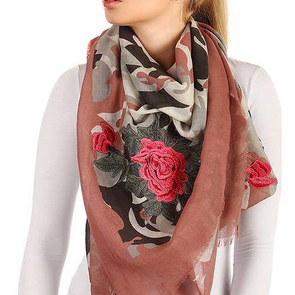 Vzorovaný šátek s růžemi růžová