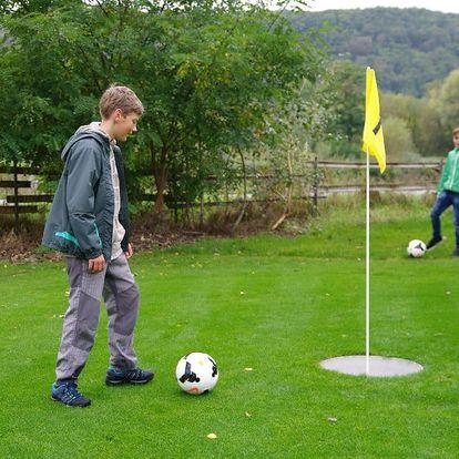 Fotbalgolf v parku v Modřanech, pro 2 osoby či rodinu