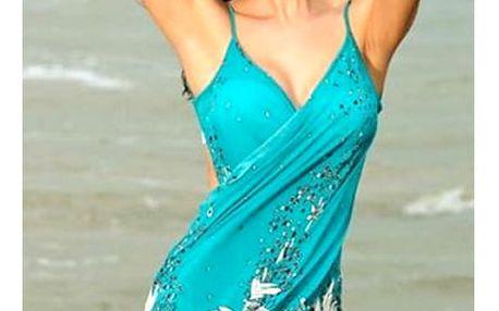 Vzdušné plážové šaty k vodě jsou dobrou volbou pro dovolenou u moře i na cestu ke koupališti.