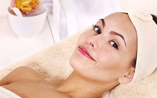 Omlazení z rukou masérky: liftingová masáž