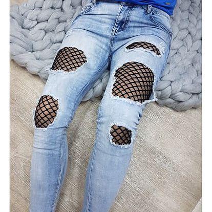 Roztrhané džíny se síťkou Kylie
