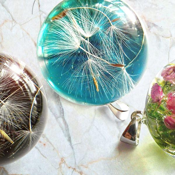 Pryskyřicové šperky s opravdovými květinami