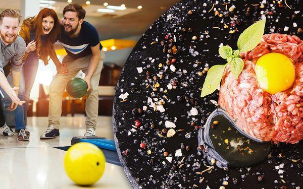 Půlkilový tatarák a téměř 2 hodiny bowlingu
