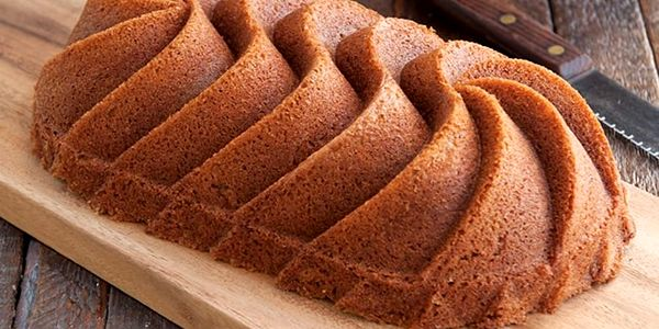 Forma na chlebíček ve zlaté barvě Nordic Ware Rondo Heritage5
