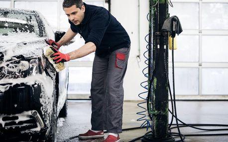 Ruční mytí exteriéru vozu či renovace laku