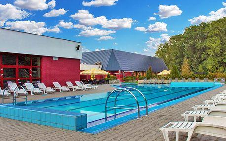 Letní pohádka na Opavsku v hotelu u zámku Hradec nad Moravicí s bazénem a wellness neomezeně + polopenze i 1 dítě do 10 let zdarma