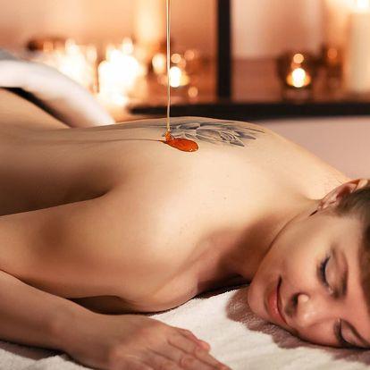 Relax a sladké uvolnění: medová detoxikační masáž