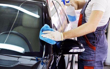 Ruční mytí vozu i aplikace tvrdého vosku