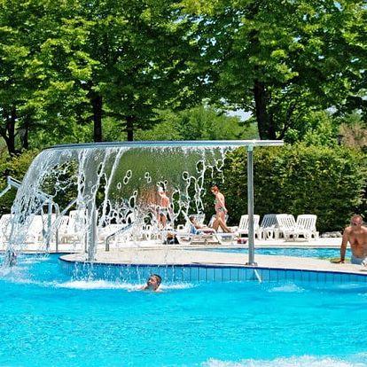 Itálie, Lignano: týden pro 1 osobu ve stanu s plnou penzí a bazénem