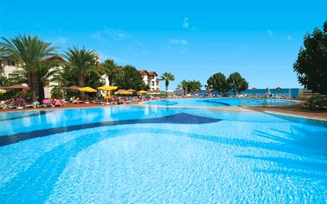 Salamis Bay Conti - nádherný hotelový komplex s impozantním areálem
