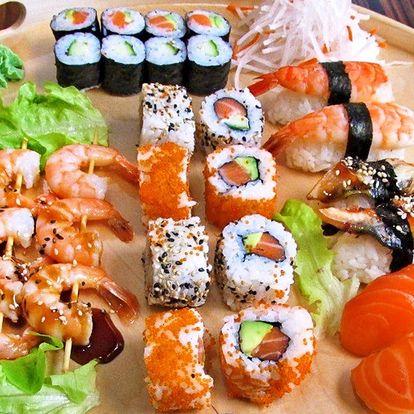 39 ks sushi s krevetami, úhořem i lososem