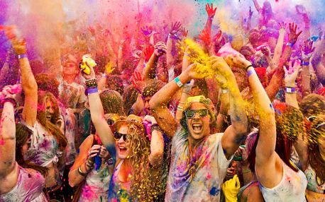 HOLI Open Air Festival: Zažijte šílenství barev