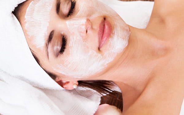 Bezbolestná depilace s kompletním kosmetickém ošetřením v Institutu Krásy v Karlíně.