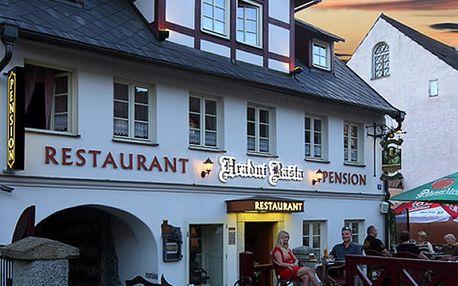 Pobyt pro dva v penzionu Hradní Bašta s romantickou večeří a bohatými snídaněmi.