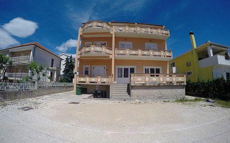 Chorvatsko, Biograd na 8 dní pro 1 osobu s plnou penzí v červnu