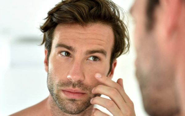 Profesionální kosmetické ošetření pleti pro muže