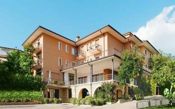 Lago di Garda, oblíbený Hotel Panorama*** s polopenzí a výhledem na jezero