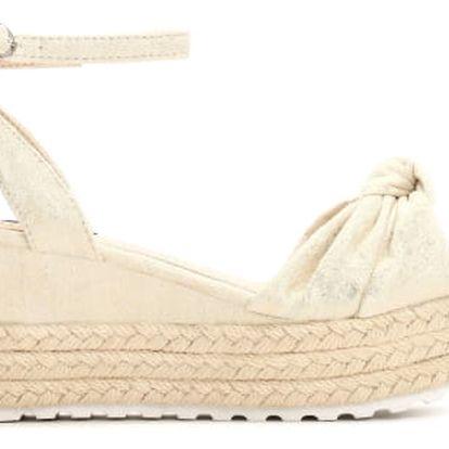 Dámské béžové sandály na klínku Renesmé 6092